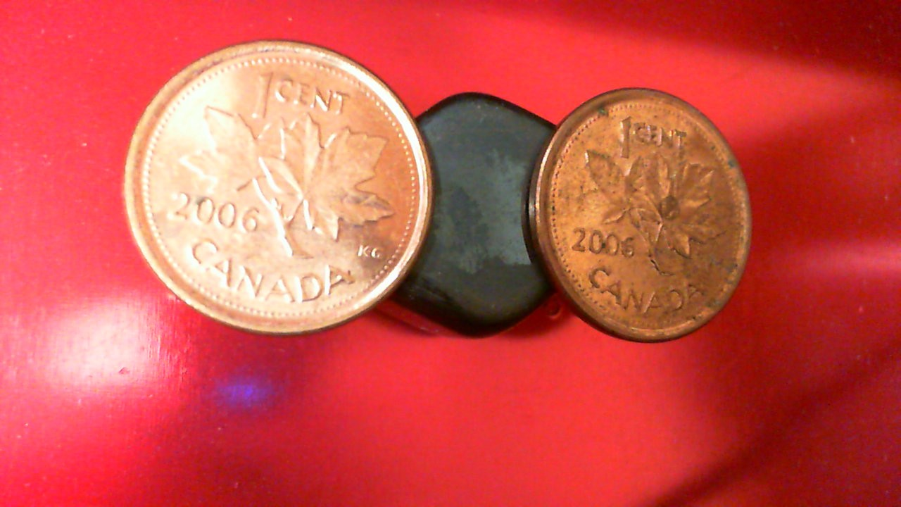 2006 Canada pennies: magnetic, with no logo and no P - ultra rare